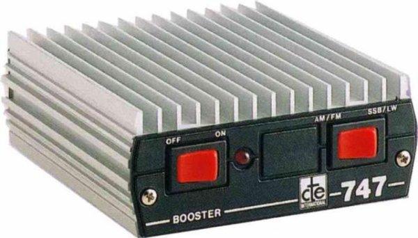ce matin mon ami YANN m'apporte CTE Linear Amplifier   BOOSTER 747  ....  et moi jais DIAMOND    X20C SWR POWER Metre  il y a quelques années  et le PRESIDENT GEORGE pour faire du DX en voiture