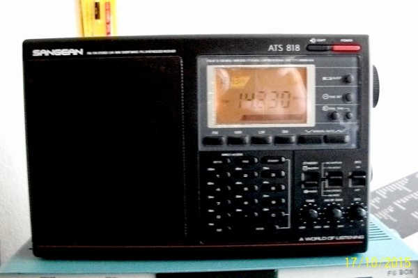 SANGEAN ATS 818 d'un généreux donateur parfaite êta  fonctionné Mode: AM/FM/SSB/CW..pile et alimentation 6v