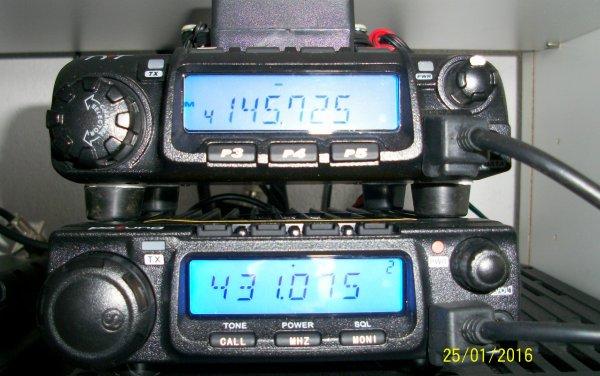 deux OM radioamateur de NICE don un en pédestre sur les auteur du var da...