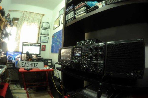 EA3HDZ Ami Radio Barcelone Ville en Espagne  radioamateur de père en fils