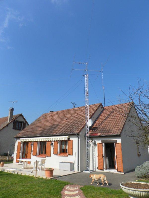 ce Fini  frère de yann Benoit 14 v303                                            réalisation pylône  vis  dans  Loir-et-Cher (41)