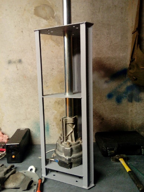 téte de pylône   faite cage avec rotor Fini de 14v173 Yann NICE