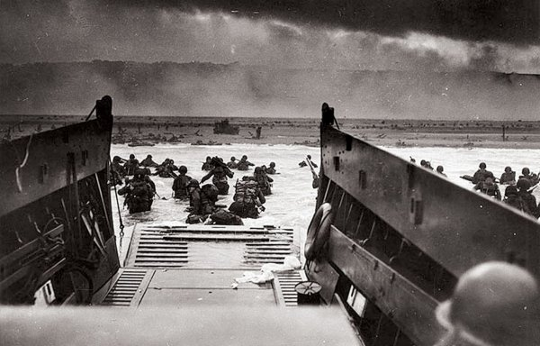 ne jamais oublier qui sont morts sur plages de Normandie pour notre libertés