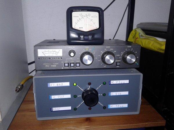 commutateur antenne 6 postes radio fait et fini par 14v173 pour moi MERCI yann NICE FRANCE..système anti retour HF   CHAQUE POSTE DE RADIOAMATEUR ISOLE mise à la terre