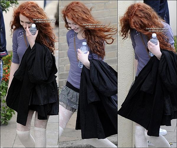 -[/align=center] 09/10/11 : Janet  toute sublime ce rendant dans les studios ITV de X Factor dans les rues de Londres.   -[/align=center]