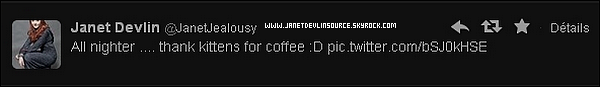 .     Twitter : Nouvelle photo de Janet Devlin provenant de son Twitter avec une tasse de café.     .