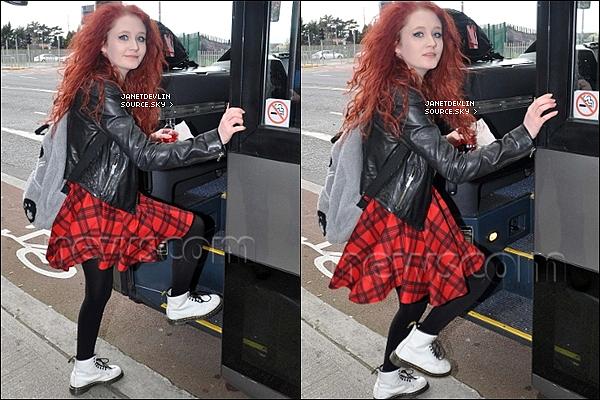 -[/align=center] 07/03/12 : Aujourd'hui, Janet quittait son hôtel et ce rendant aux répétition du X Factor Tour à Londres.   -[/align=center]