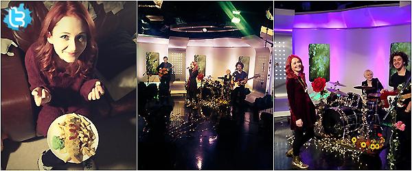 """.     22/11/2013 : Janet devant les studios « ITV » pour performé """"Wonderful"""" au This Morning show.  Janet refait son apparition aux ITV à Londres, pour présenter son 1er single """"Wonderful"""" extrait de son album Hide & Seek. TOP!        ."""