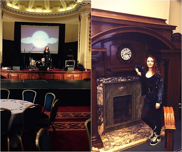 .     07/11/2014 : Janet a donner un petit concert dans une salle de restaurant !         .
