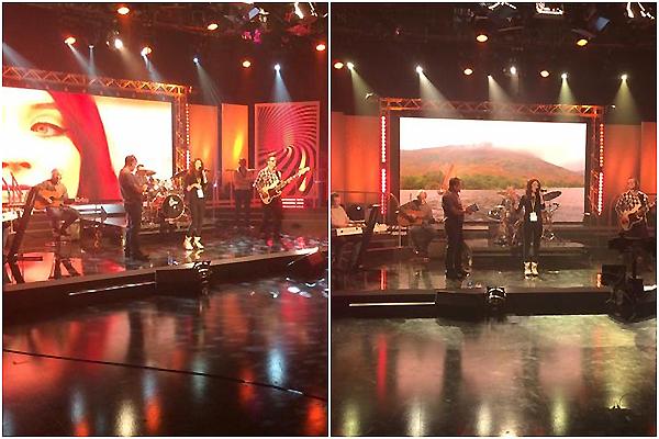 .     14/11/2014 : Janet a donner un concert sur un plateau téléviser.  + Une photo personnelle !       .