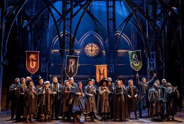 Livre : Harry Potter et l'enfant maudit partie 1 et 2