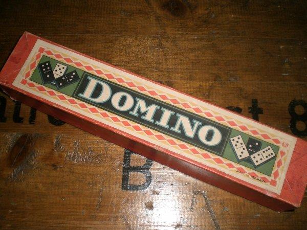 BOITE DE DOMINOS ALLEMANDS WW2