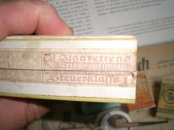 cigarettes allemandes avec curieux timbre fiscal!!!!