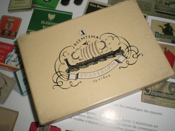 Une boîte de cigarettes allemandes pour mon landser!!!!
