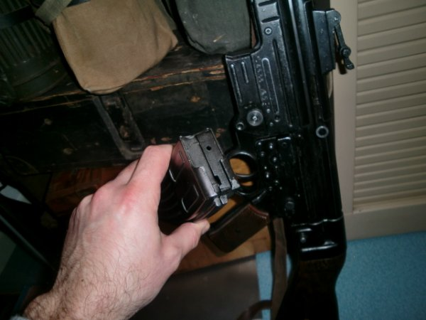 Gustav is back avec un sturmgewehr en copie...