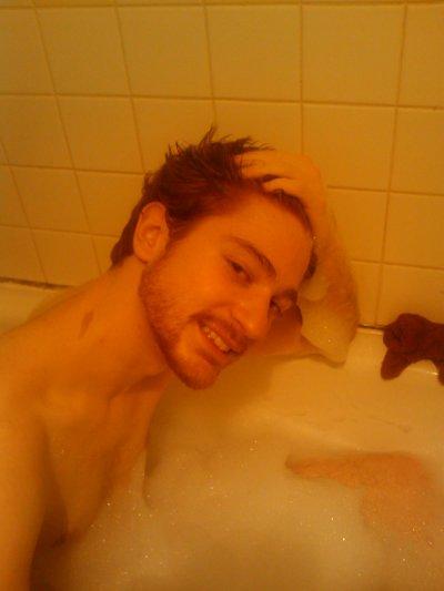Photo de moi dans le bain :$