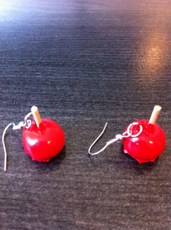 boucle d'oreille pomme d'amour 3¤