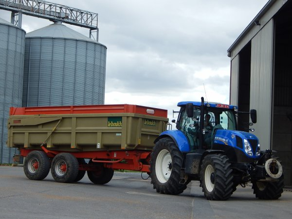 New Holland T7.210+Leboulch