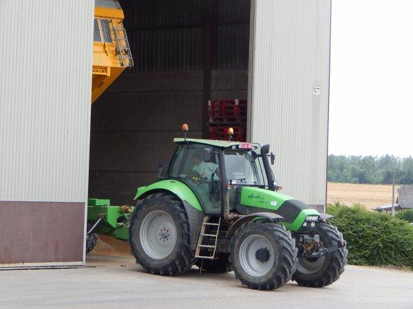 Deutz-Fahr Agrotron TTV 1160+Vigneron et Deutz-Fahr Agrotron 180.7+Joskin
