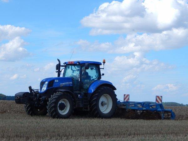 New Holland T7.210+Rabewerk