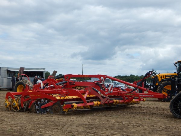 "Case IH Quadtrac 620 ""20 Years""+Vaderstad Carrier 625 XL"