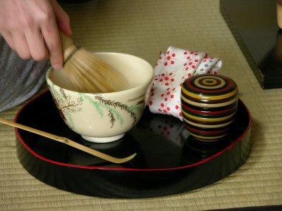 Une cérémonie de thé pas tout à fait formelle.