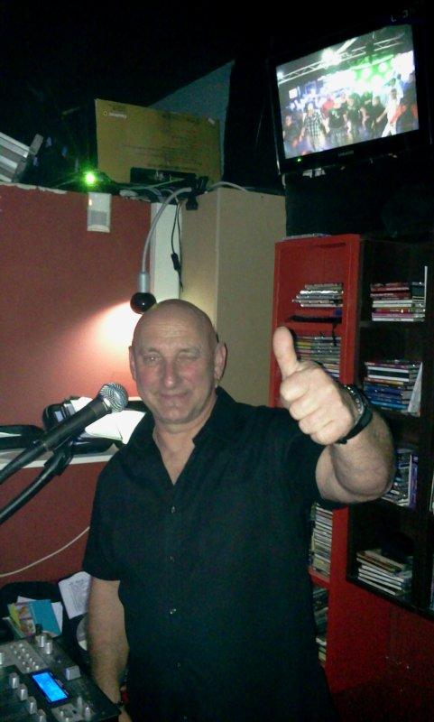 SUPER SOIREE AVEC TINTIN LE DJ
