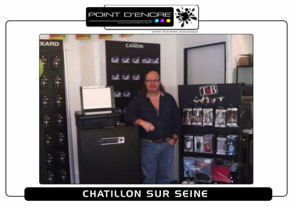 UN AMI Ouverture de son magasin POINT D'ENCRE A CHATILLON SUR SEINE