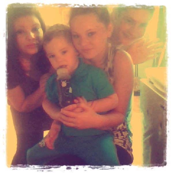 moi , mes 2 frère et ma soeur <3