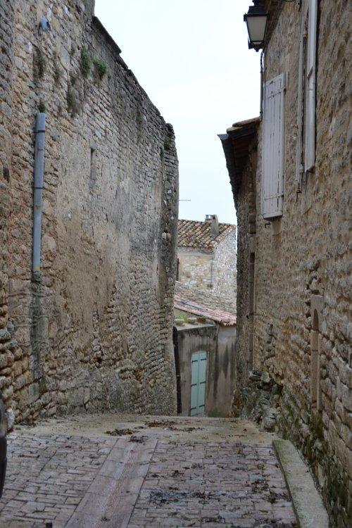 Montpezat: village circulaire