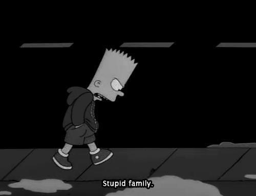 Sur un coup de tête, on peut s'énerver contre notre famille, mais au fond, votre famille est tout pour vous. On peut s'engueuler, s'insulter, se blesser, mais tout au fond de votre c½ur, vous ne penser rien de tout cela, parce que votre famille, ce sont les seules personnes qui seront toujours là pour vous et cela à vie. On pourra toujours critiquer notre famille, en revanche personne ne sera à la cheville de celle ci, ne perdez pas de vue que la Famille est la chose la plus importante dans la vie. Prenons exemple sur vos mamans : Vous pouvez tout faire, vous disputer, la blesser, lui mentir… Une maman n'aura pas de rancune envers vous. Une maman est en or, n'oubliez jamais ça. Rien ne remplace la famille.♥ Marjorine © DROITS D'AUTEUR.