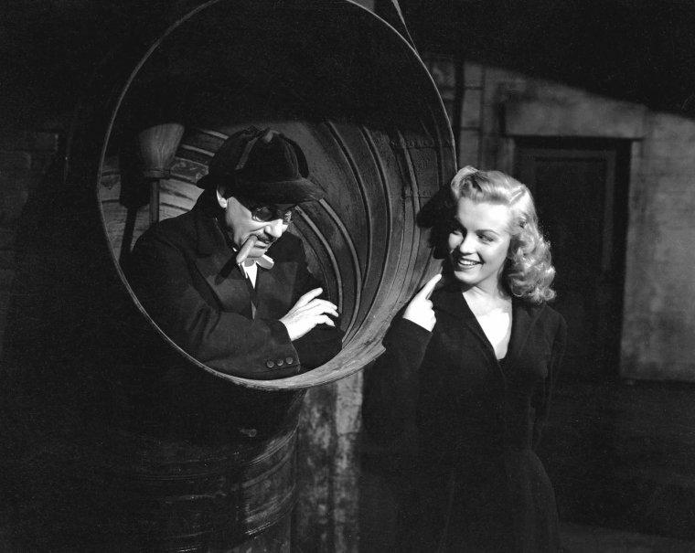 """1949 """"Love Happy"""" (part 5) (photos publicitaires du film)."""