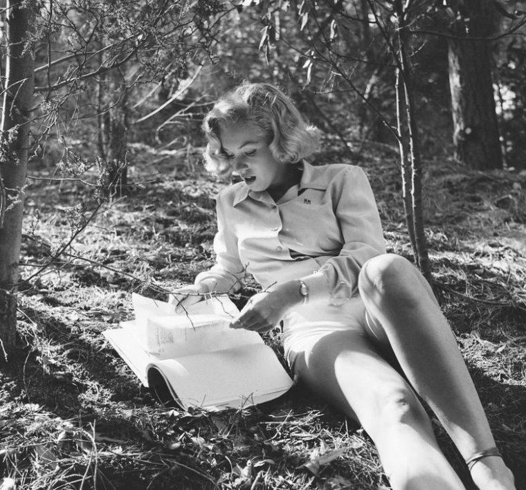 Août 1950, Marilyn photographiée par Ed CLARK (part 3).