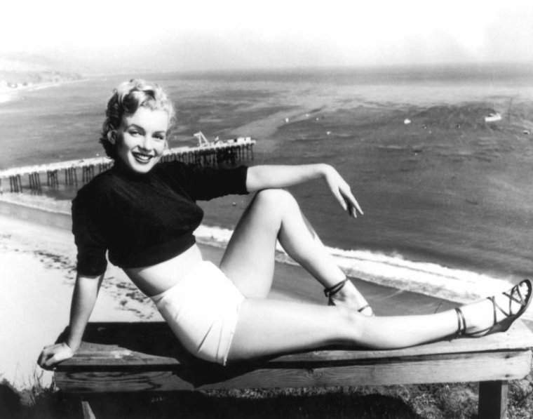 1951 : Marilyn photographiée par J.R. EYERMAN, sur les hauteurs de Hollywood (part 3).
