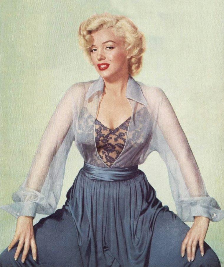 1952, Marilyn plutôt inattendue avec ces photos de Nicholas MURRAY.