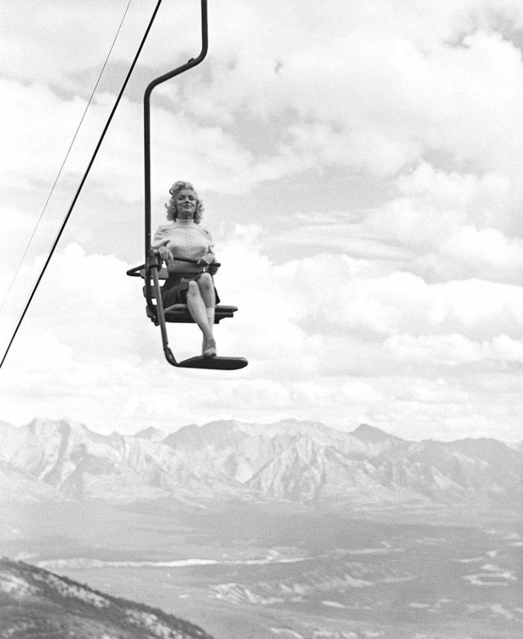 """1953, suite et fin des clichés de Marilyn par John VACHON au Canada à Banff, alors qu'elle termine le film """"River of no return"""" d'Otto PREMINGER (part 8)."""