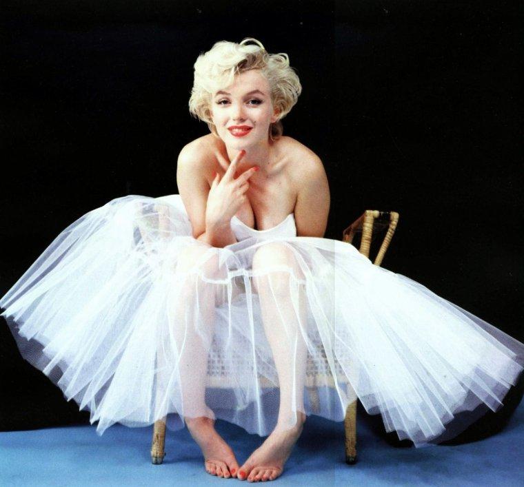 """1954, Marilyn sous l'objectif de Milton GREENE pour la session intitulée """"ballerina"""" (part 2)."""