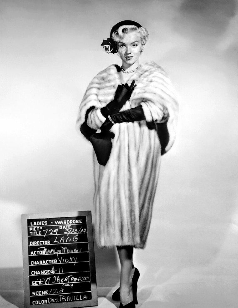"""1954, ESSAIS COSTUMES pour le film """"There's no business like show business"""" (La joyeuse parade) de Walter LANG (part 3)."""