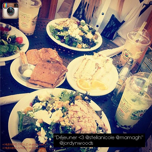 INSTAGRAM ◊     Plein de photos via Instagram, Tumblr et une de Nessa et Stella !