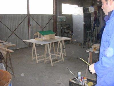 2e jour de construction de la maquette 10h on embauche est c'est parti pour t'ou une journee de bricolage de rire etc
