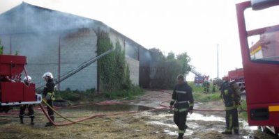 80 tonnes de foin en feu à Berneuil