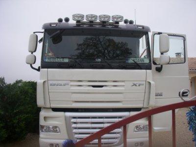 le nouveau camion du voisin qui remplace son volvo super avec les trompes les longues portes et tout