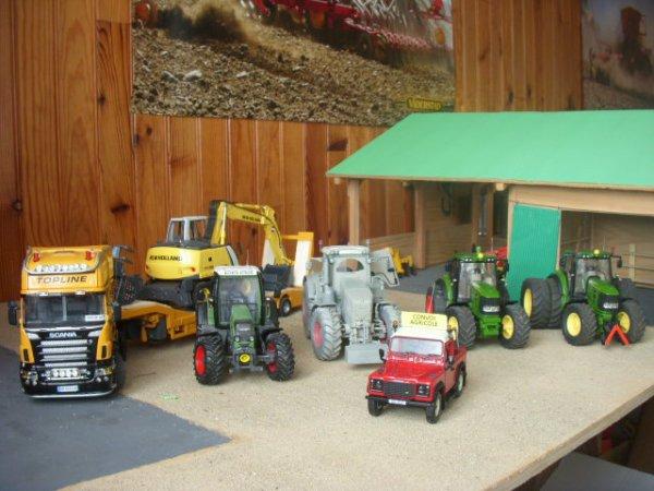 les tracteurs avec le land le quad le griffon du fils manque la moiss bat'