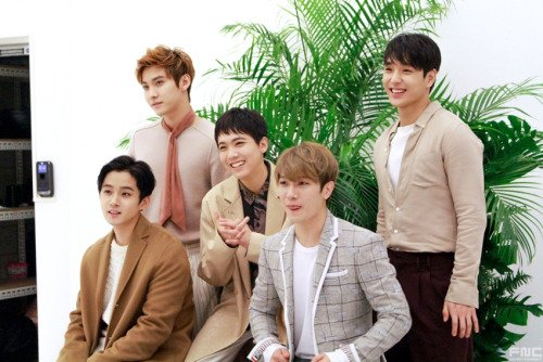 FTISLAND 2017 Season's Greetings Interview