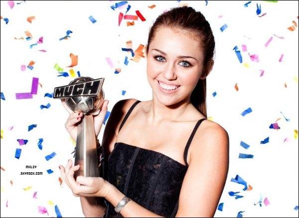 *Bienvenue sur ta nouvelle source de la merveilleuse Miley Ray Cyrus . *