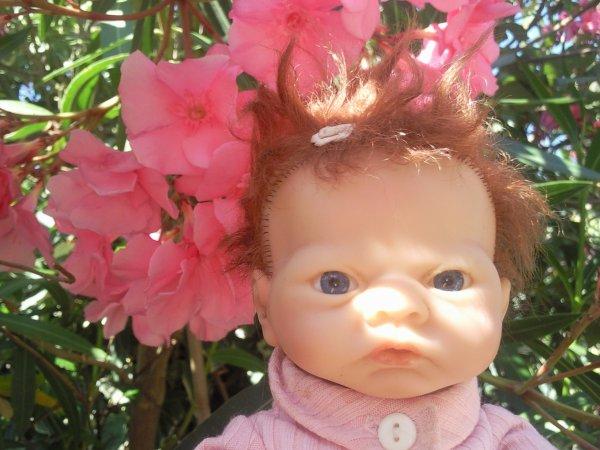 Dés le matin Bébé Emily est en pleine forme!