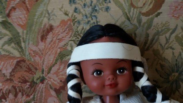 Je ne garde pas non plus ... A échanger ou à vendre  n 70  poupée indienne