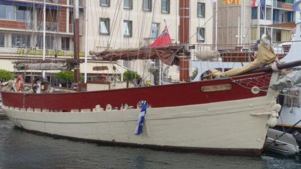 Bateaux en rade de Toulon