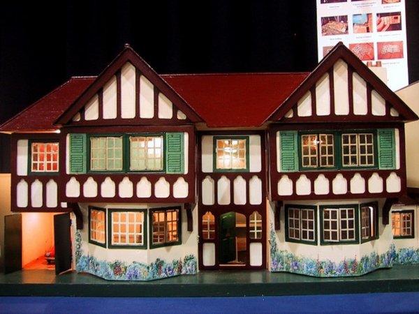 Les maisons de poupées. (suite).