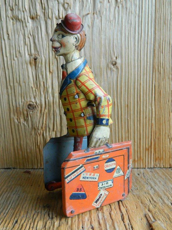 Un ancien clown animé en tôle a été vendu sur e. pour 605 euros!